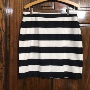 Banana Republic black and white skirt size 12